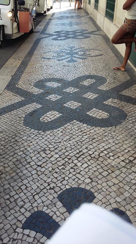 20170727 110618 Lisszabon utcakövek
