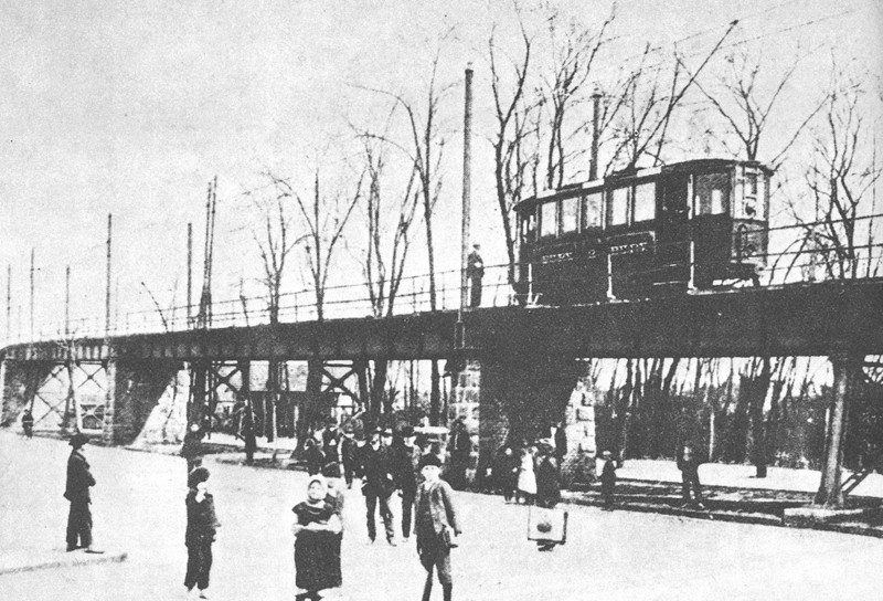 Villamosfelüljáró Újpest és Rákospalota között