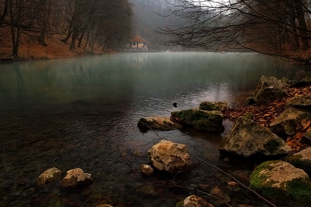 Imbelele: Ház a tónál - indafoto.hu