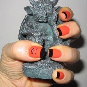 The Strange: nails13
