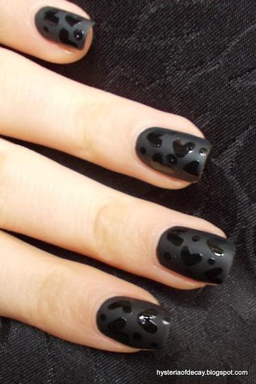 The Strange: manicure11