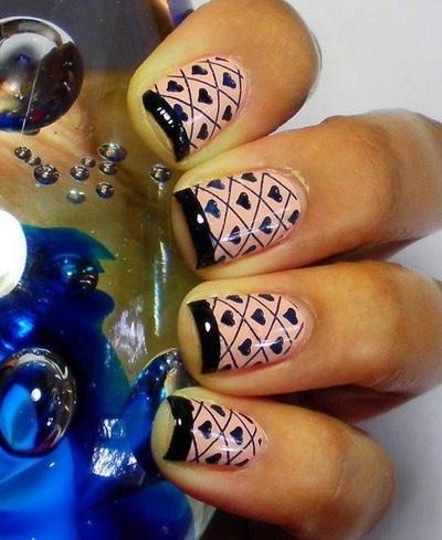 The Strange: manicure18
