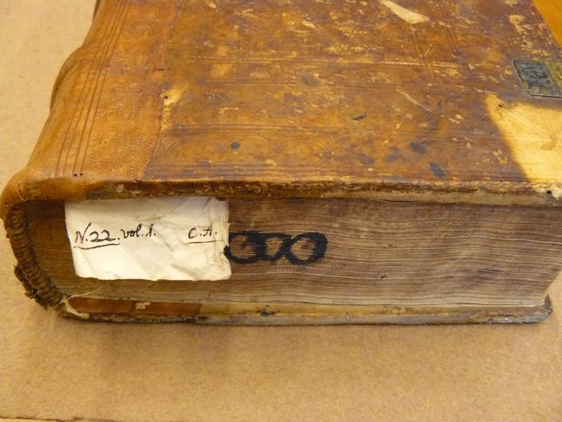 Capreolus első kötetének 18. századi raktári jelzete