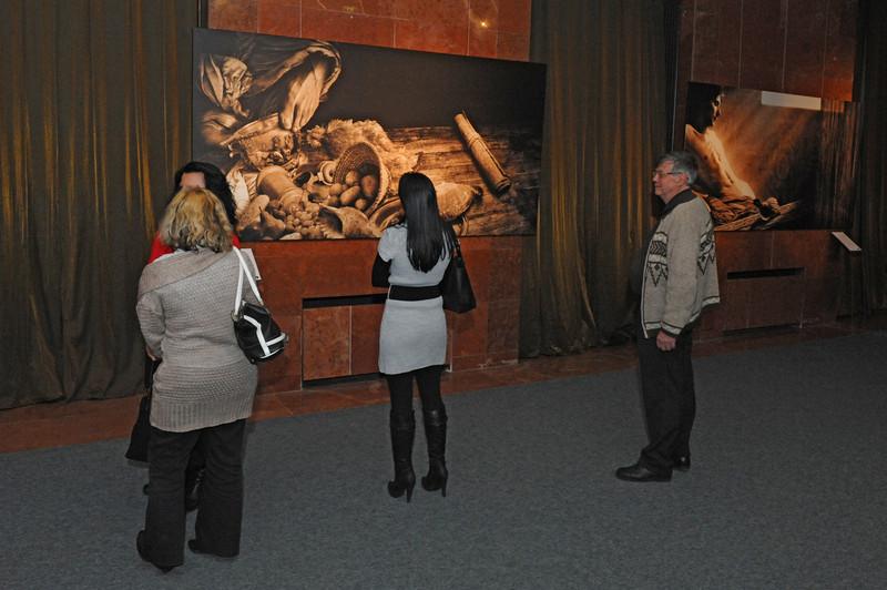 A Léten túli lét képzete – Csíkvári Péter-kiállítás