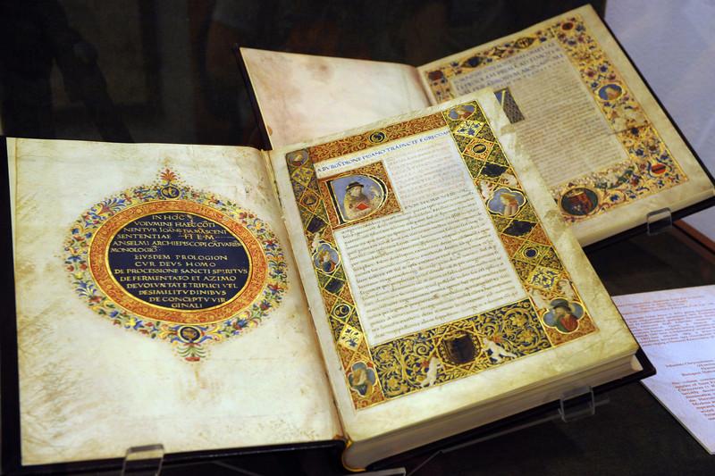 A királyi könyvtár – 35 corvina