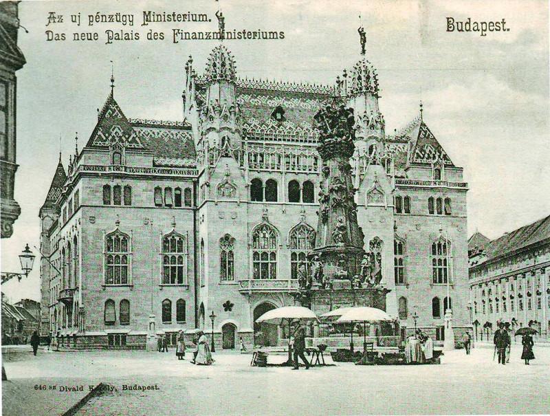 fovarosi.blog.hu: SzentharomsagTer-Penzugyminiszterium-Regi1