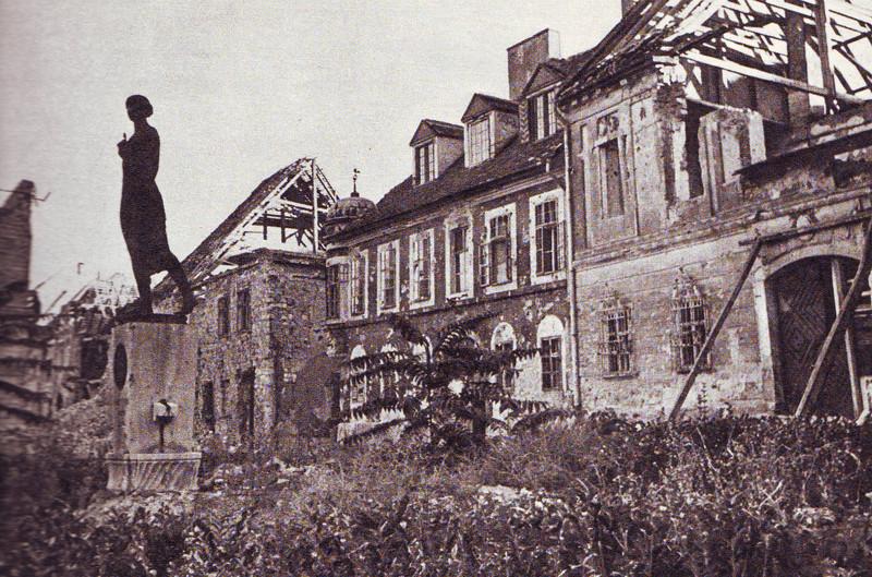 fovarosi.blog.hu: HAPIMAG-1945-BudapestUjsag1975