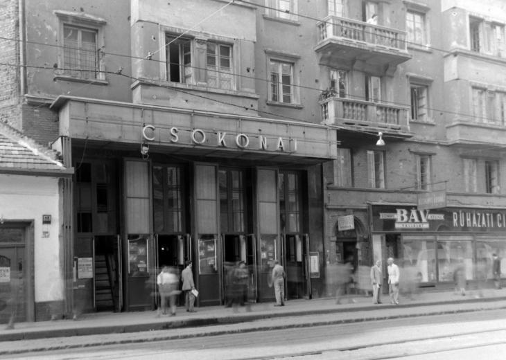 fovarosi.blog.hu: CsokonaiMozi-NepszinhazUtca-1950esEvek-Fortepan.hu