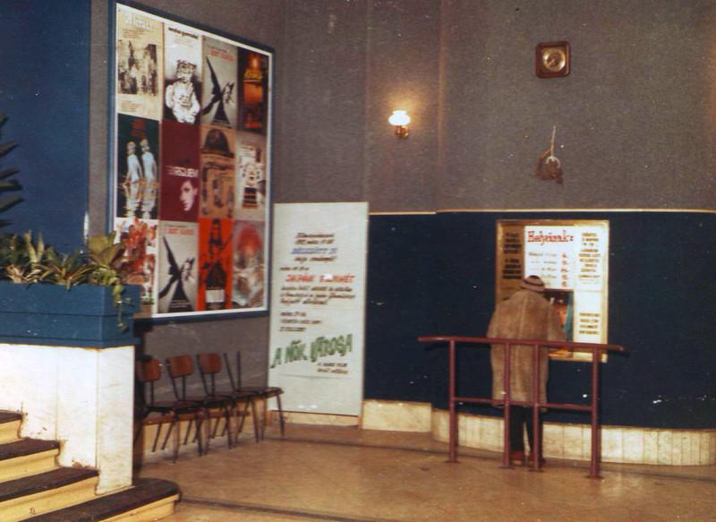 fovarosi.blog.hu: ToldiMozi-1982-04