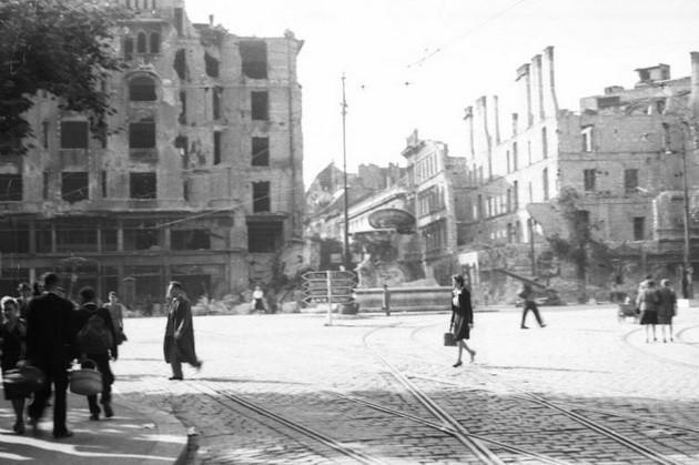 fovarosi.blog.hu: KalvinTer-1945-DanubiusKut-fortepan.hu-45557 - indafoto.hu