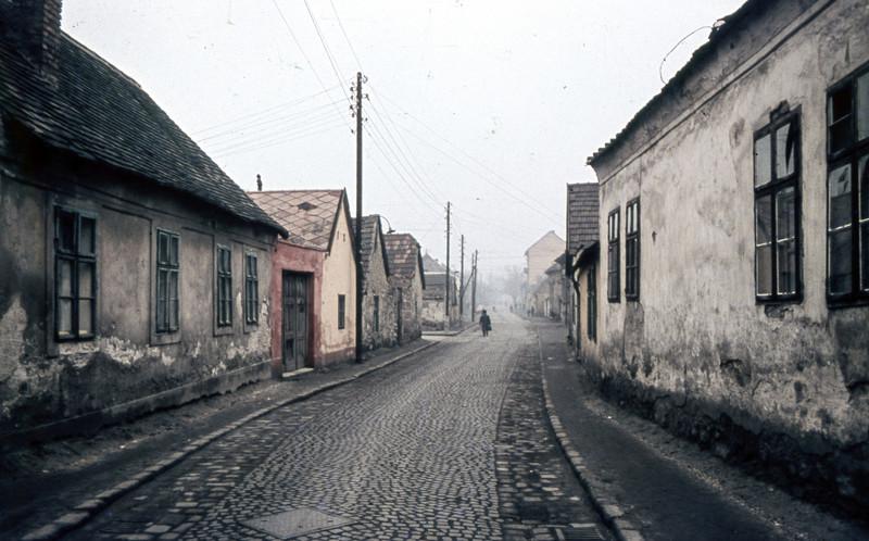 fovarosi.blog.hu: FoldUtca-1960asEvek-Obuda-fortepan.hu-70116 - indafoto.hu