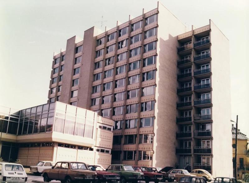 fovarosi.blog.hu: SOTE-Klinikak-1980asEvek-TomoUtca35-BalassaJanosKollegium-fortep - indafoto.hu