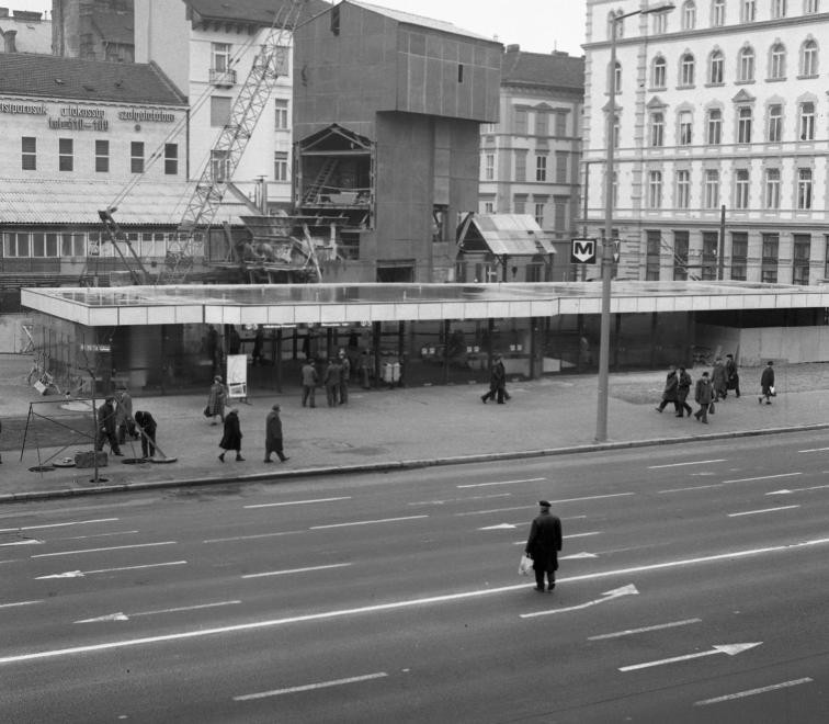 fovarosi.blog.hu: Metro3-1982-AranyJanosUtca-fortepan.hu-66714 - indafoto.hu