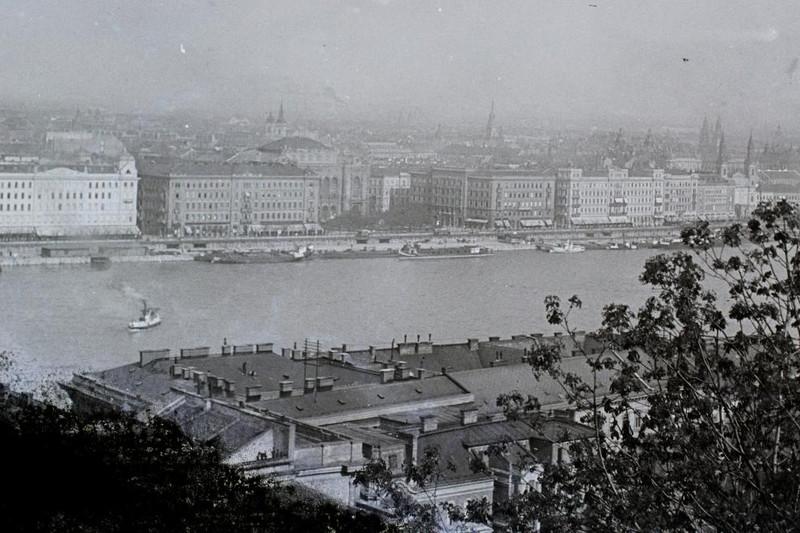 fovarosi.blog.hu: DunapartiSzallodasor-1909-fortepan.hu-95230 - indafoto.hu