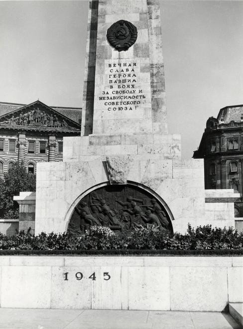 fovarosi.blog.hu: SzabadsagTer-1949-fortepan.hu-105730 - indafoto.hu