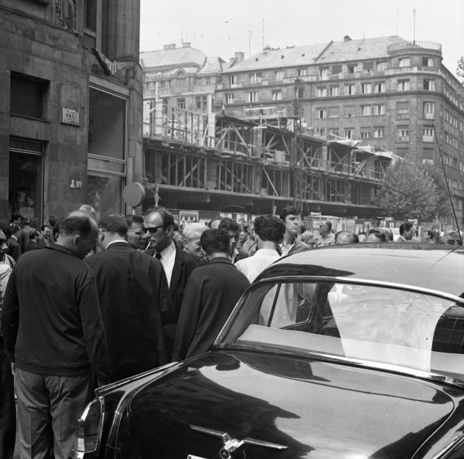 fovarosi.blog.hu: ORIszekhaz-1968-Epul-fortepan.hu-65727 - indafoto.hu