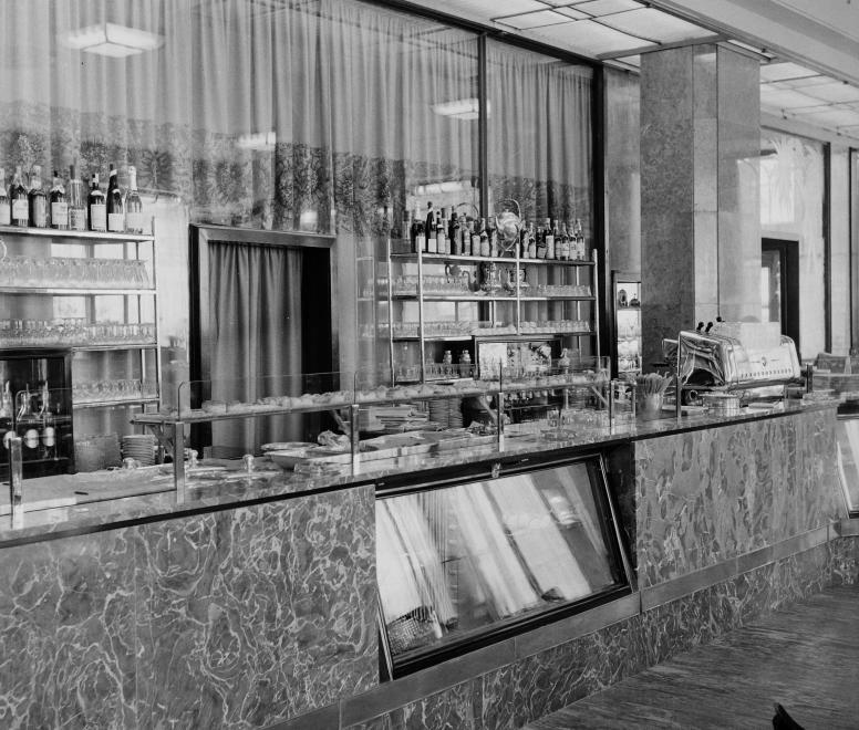 AstoriaSzallo-1950esEvek-Presszo-fortepan.hu-113088
