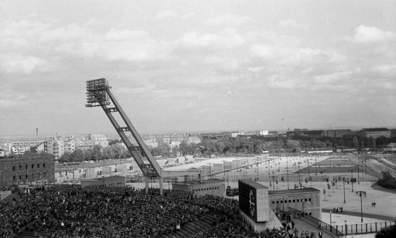 fovarosi.blog.hu: Nepstadion-1960Korul-fortepan.hu-114881 - indafoto.hu