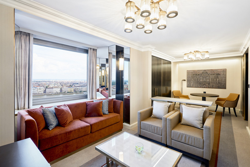 Hilton-BudaiVar-2017-KingJuniorDanube Suite-Uj