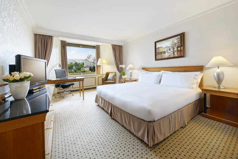 Hilton-BudaiVar-2017-StandardSzoba-Regi