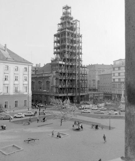 fovarosi.blog.hu: SzervitaTer-1960asEvek-Fortepan.hu - indafoto.hu