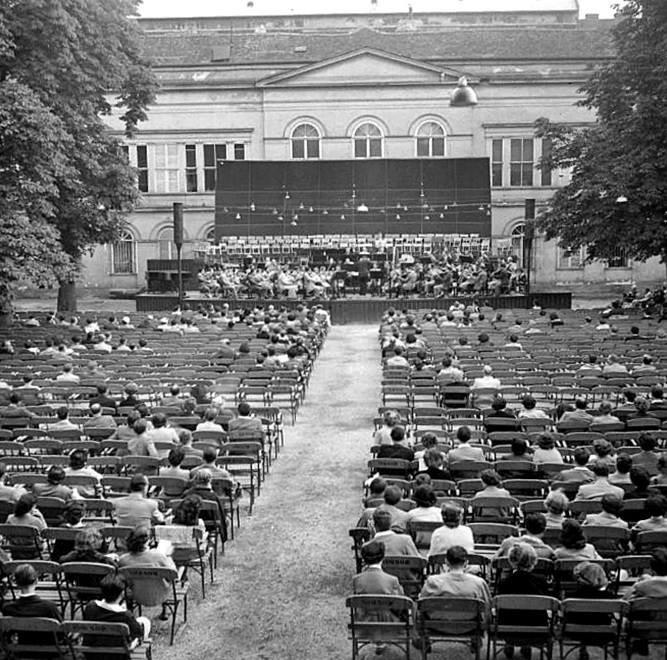 fovarosi.blog.hu: KarolyiKert-1961-Koncert - indafoto.hu