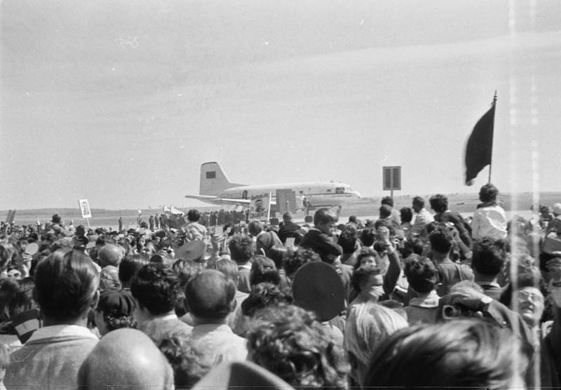 fovarosi.blog.hu: Ferihegy1-1961-Gagarin-fortepan.hu-133772 - indafoto.hu