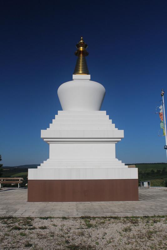 Buddhista sztúpa Becskén. fotó: Papp Géza, kektura.blog.hu