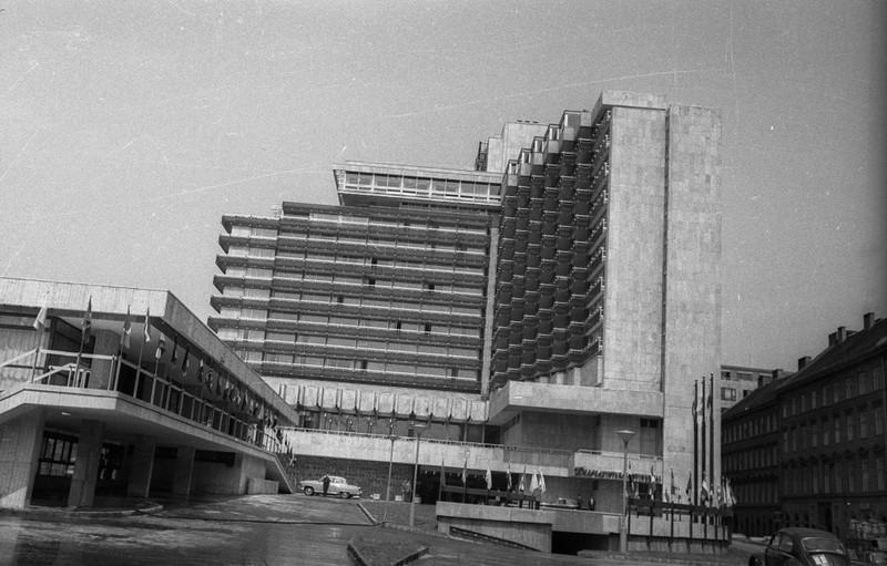 fovarosi.blog.hu: Intercontinental-Marriott-1968Korul-fortepan.hu-127545 - indafoto.hu