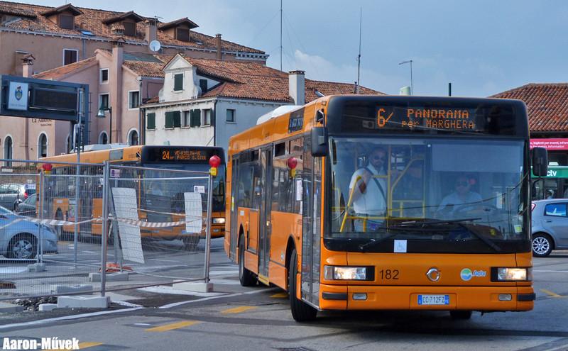 Olasz életképek II - Velence (0)