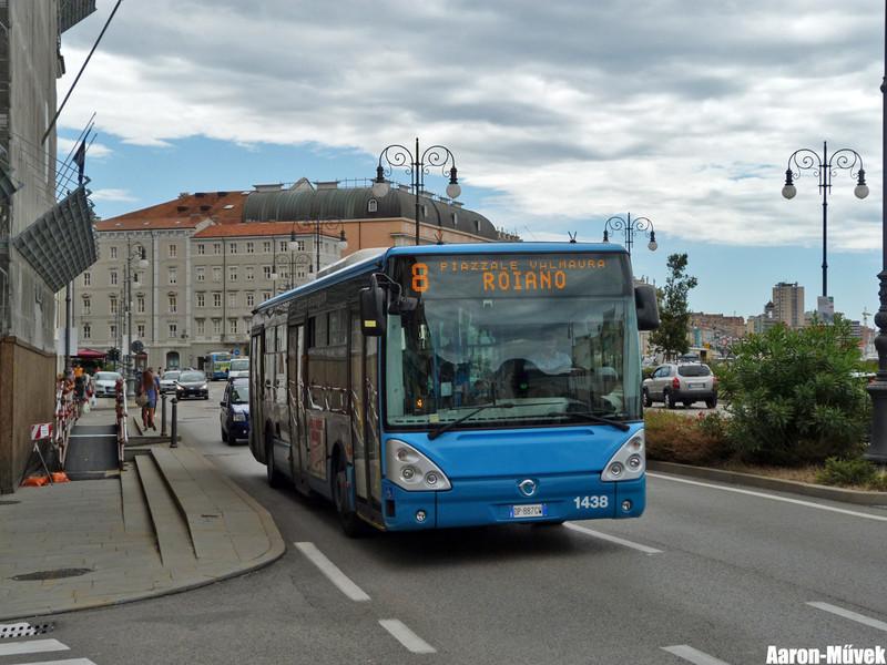 Olasz életképek III - Trieste (8)