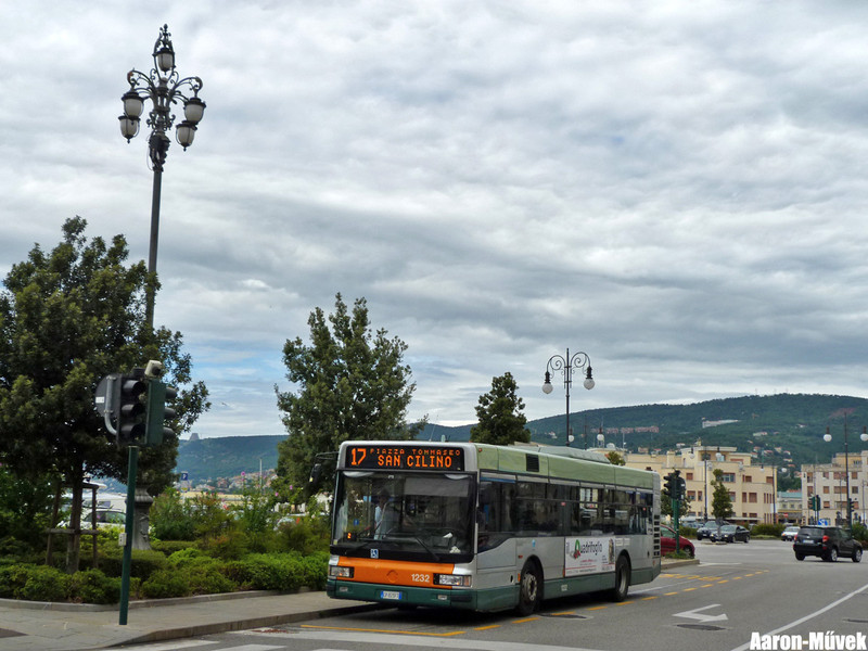 Olasz életképek III - Trieste (10)