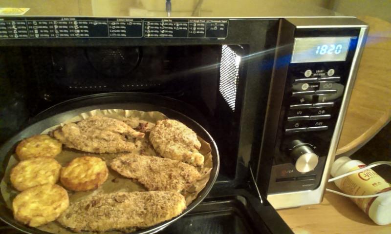 Készül a rántotthús