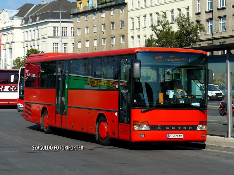P1540968