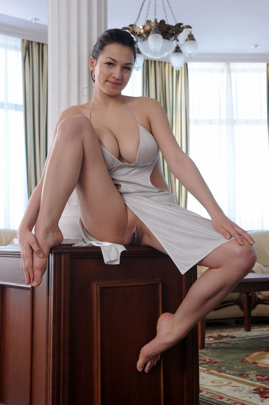 Sofi Slinky Dress 01