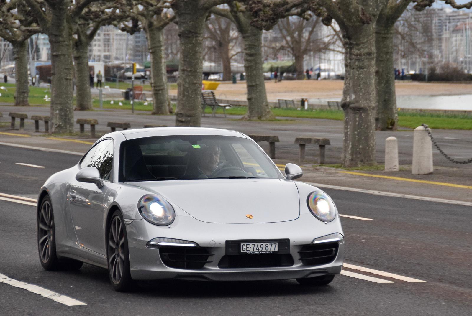 Porsche 911 Carrera 4S (991)