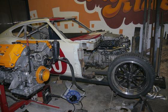 datsun 260Z VQ35 engine install 3