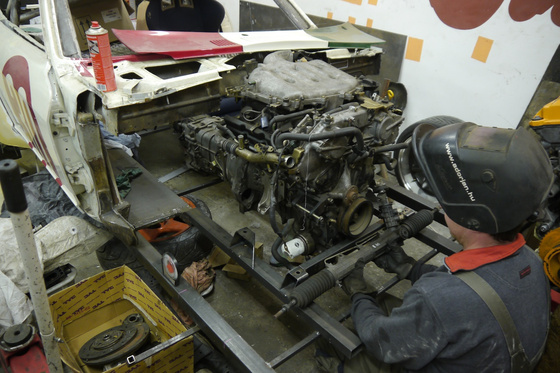 datsun 260Z VQ35 engine install 11