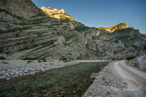 pdave: Albán főút a hegyekben