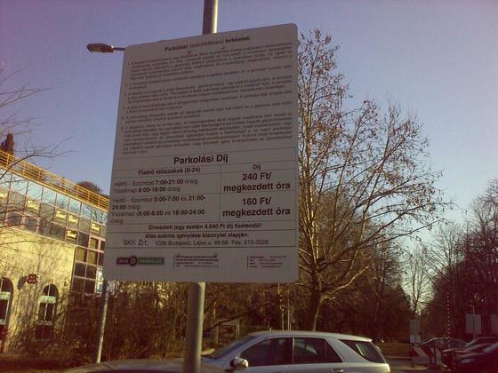 ~dá~: Budagyöngye parkoló