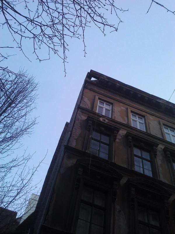 A Szabó Ervin Könyvtár közelében - fotó: BDZSH