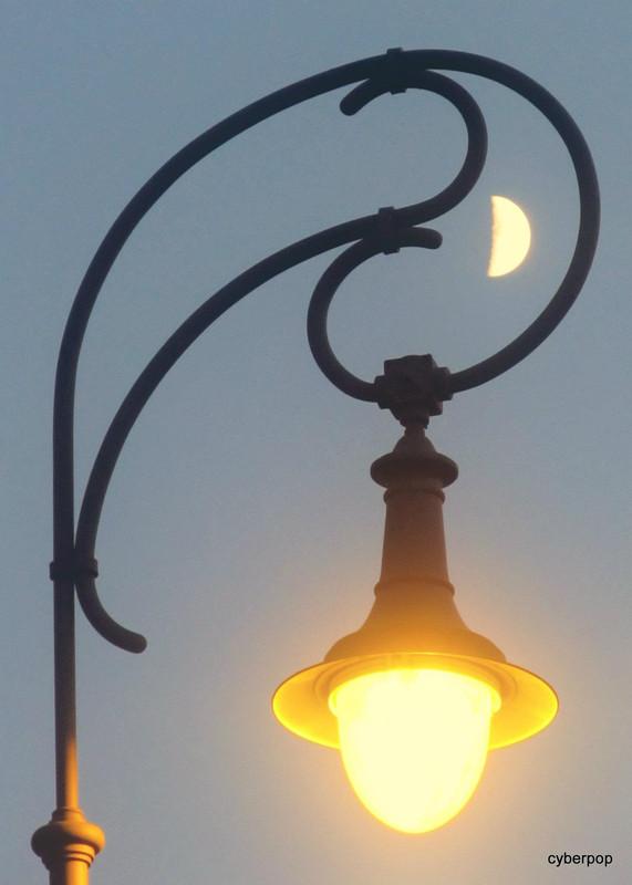 Papp Dénes Hold-fény