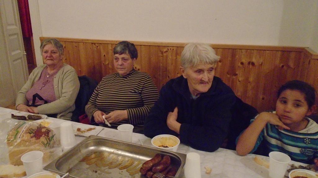 G?ncruszka Kar?csonya-k?z?s vacsora 2017/DSC06744