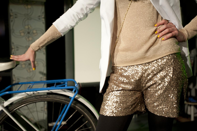 Bringa, inspiráció, 2012 - bringás divatbemutató videó + katalógus