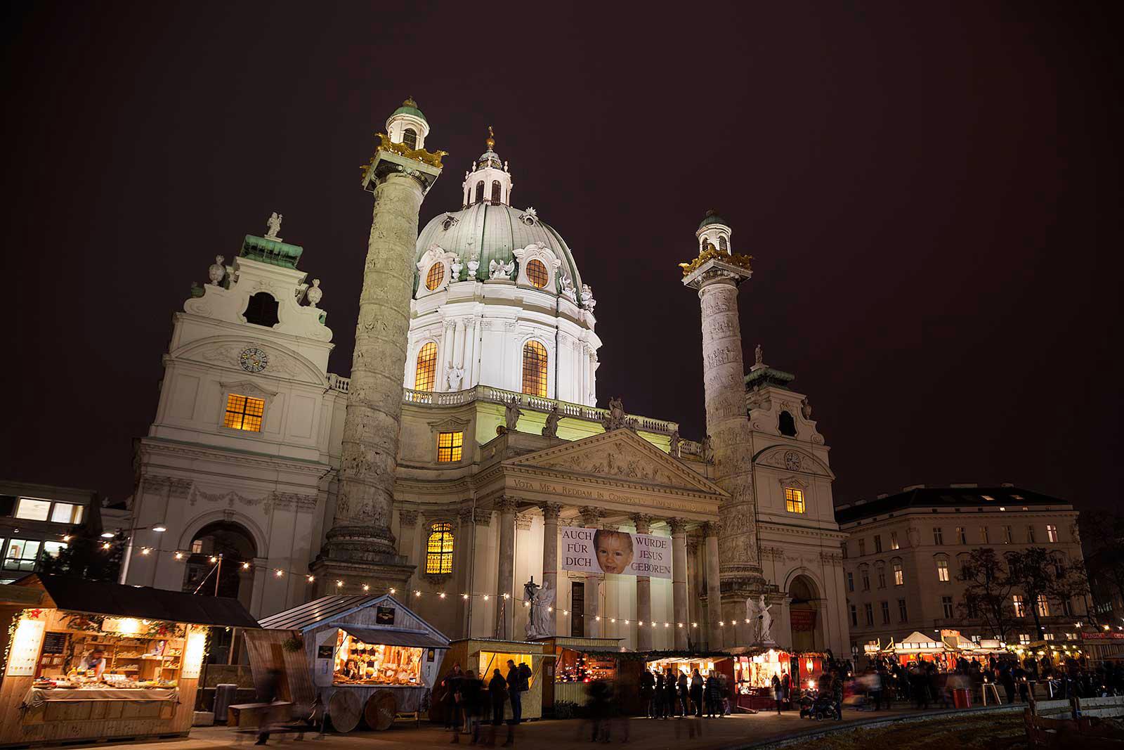 christmas-market-karlsplatz-vienna