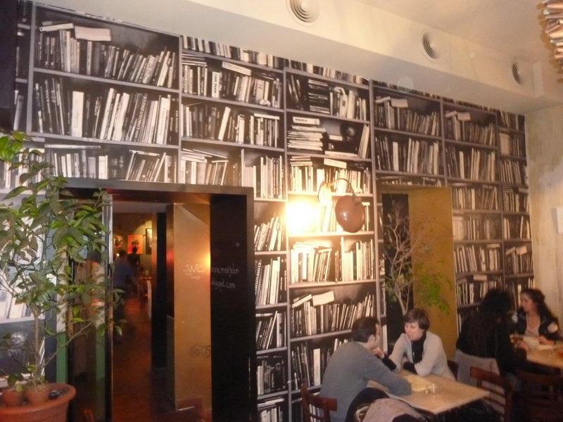 Kinek a könyvespolca?