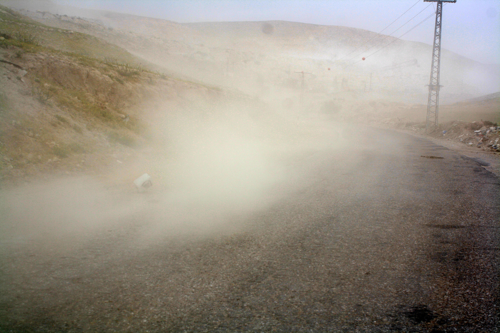 Közeledik a homokvihar