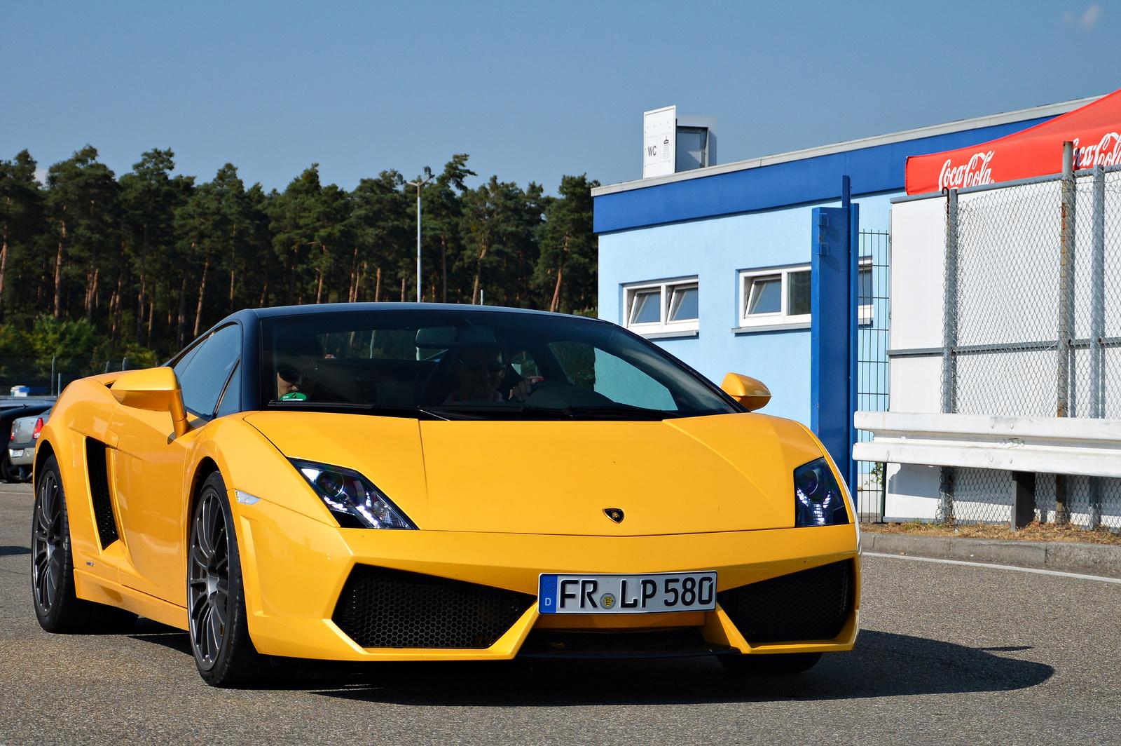 Lamborghini LP560-4 Bicolore