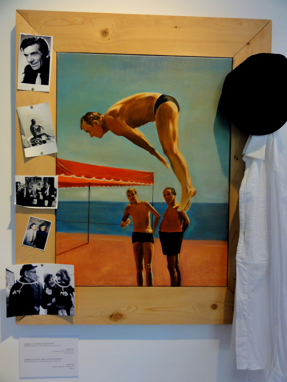Amerigo Tot sapkája, inge és fotói. Mészáros Bori: Az ugrás
