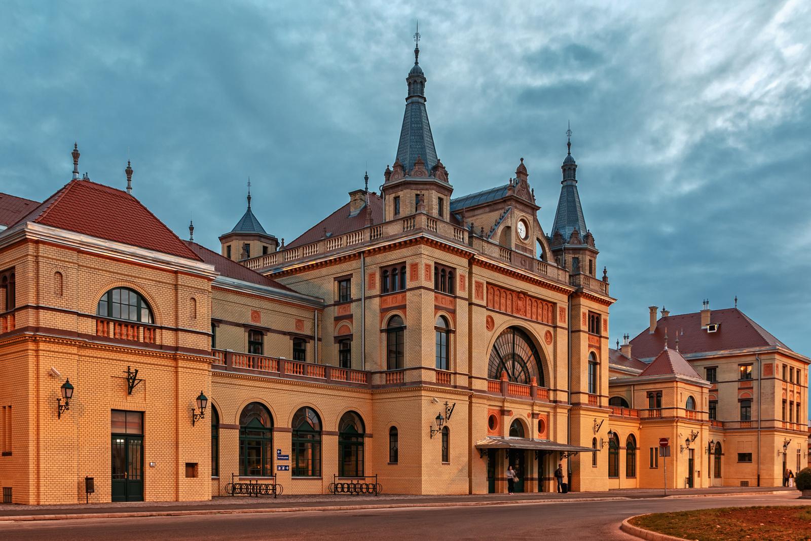 A megújult Pécsi főpályaudvar épülete